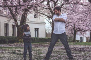 Ojciec i syn; Zapraszamy na Trening Umiejętności Wychowawczych dla rodziców